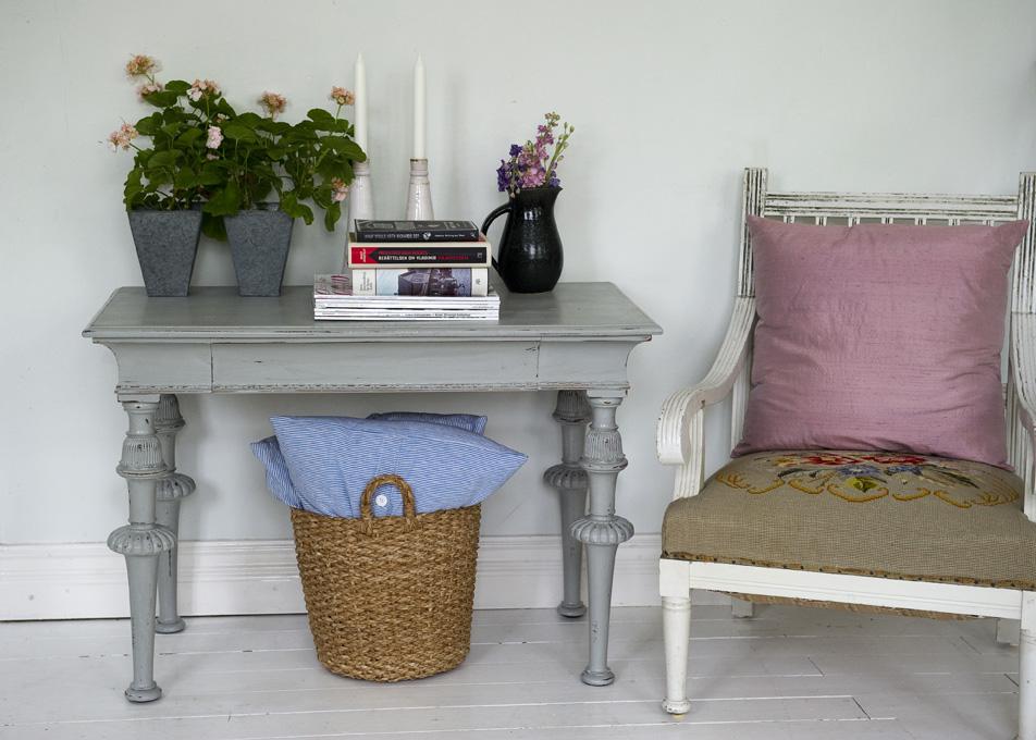 Butik Lanthandeln Vackert litet avlastningsbord SåLT