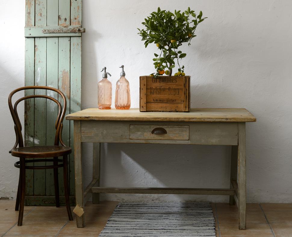 Avlastningsbord Kokso : rustik kokso  Butik Lanthandeln Rustikt gammalt bord SoLT