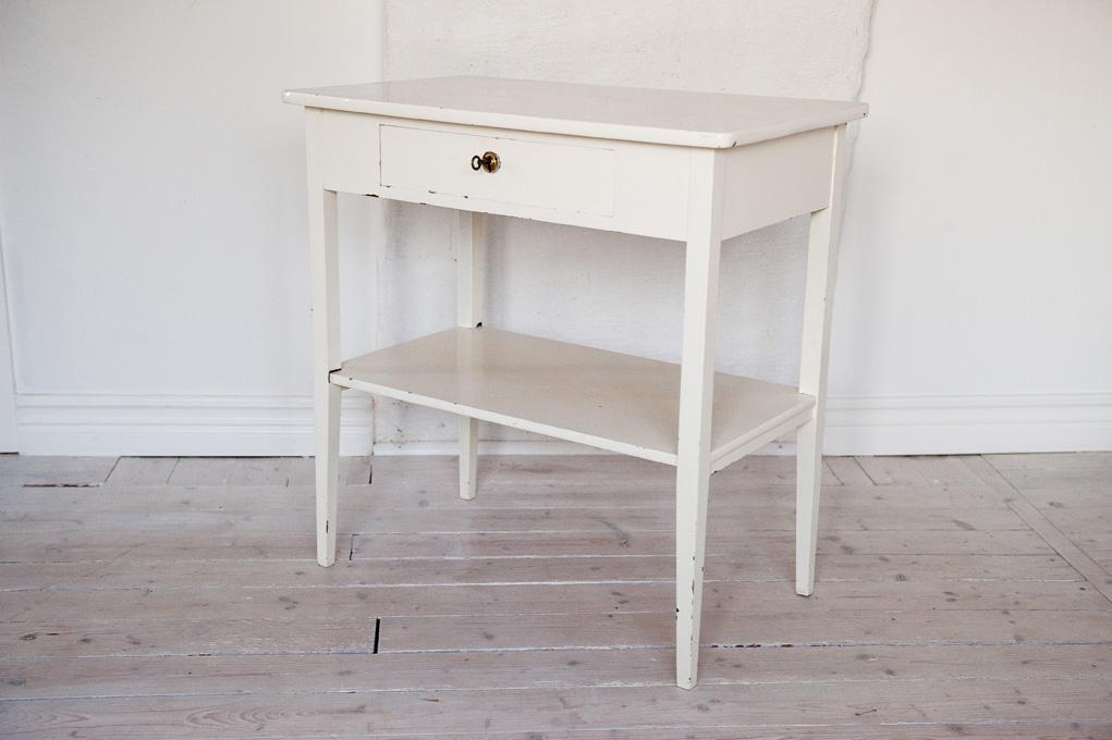 Vitt avlastningsbord u2013 Möbel för kök, sovrum