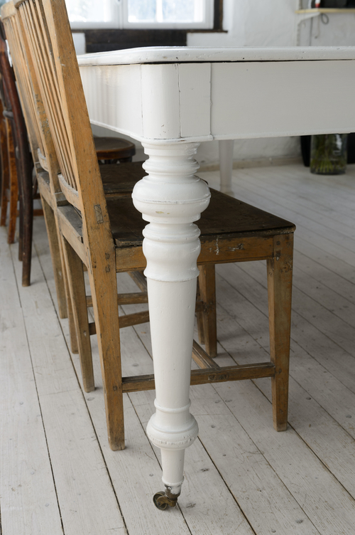 Stort unikt gammalt matbord    SÅLT