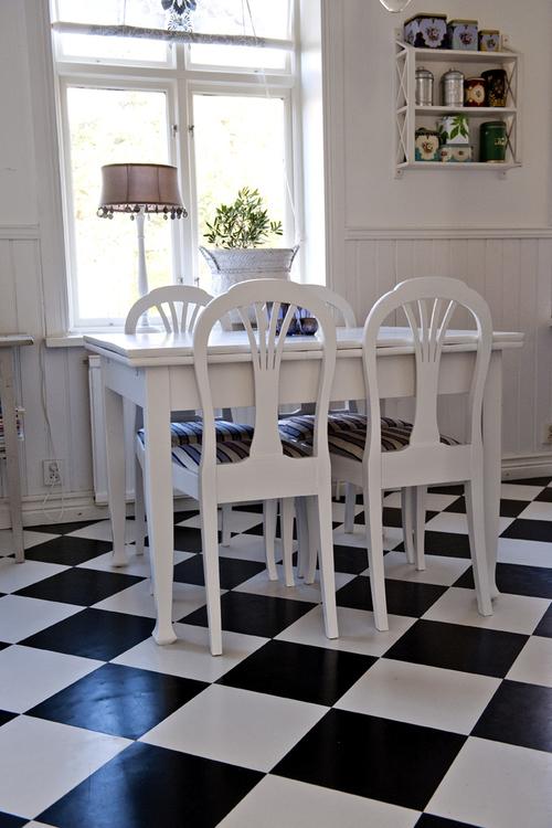 Vackra vita stolar   SÅLDA