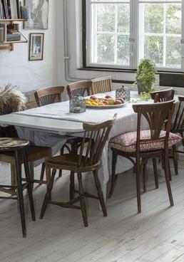 Fint gammalt matbord från 1920-talet    SÅLT