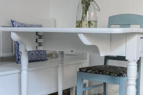 Fint klaffbord med låda     SÅLT