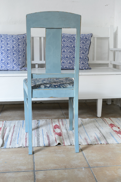 Turkos/blå stolar med retrotyg