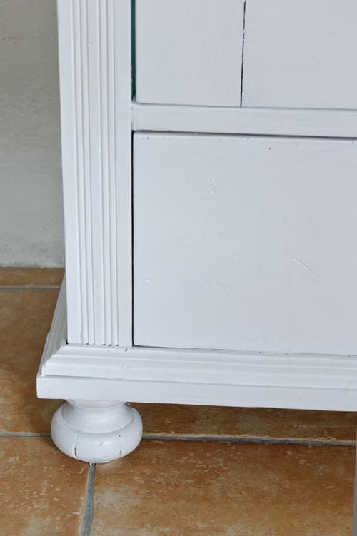 Billiga Koksbord : gammalt koksbord med loda  Ett charmigt vitt gammalt skop med glas