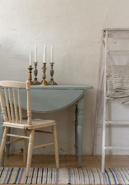 Litet fint klaffbord i grå/turkost
