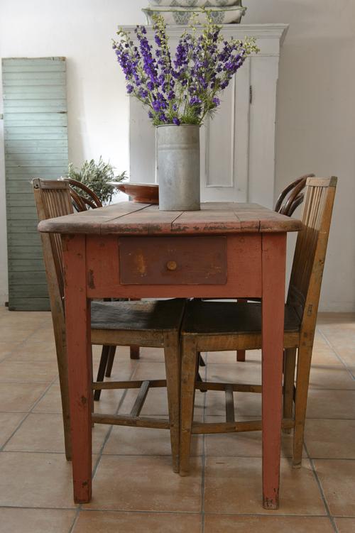 Lantligt gammalt matbord   SÅLT