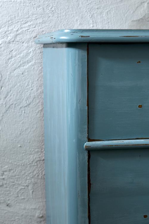 En vacker gammal byrå i blå/turkost  SÅLD