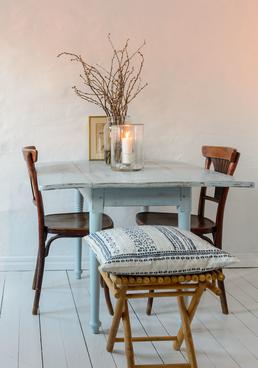 Blekblått klaffbord med patina  SÅLT