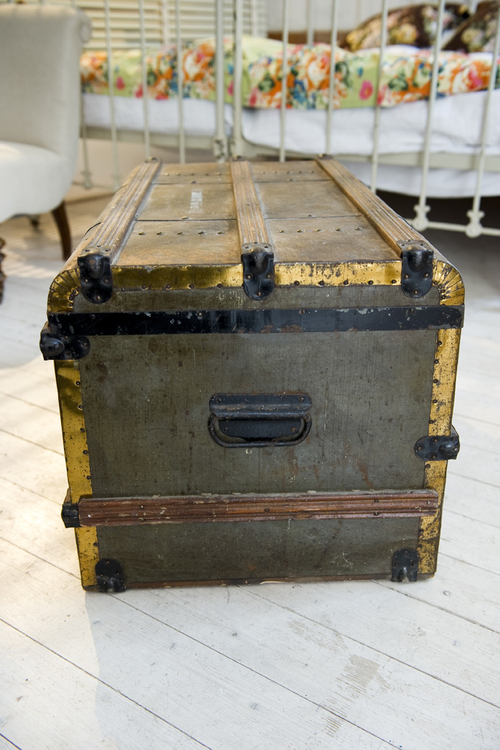 Charmig koffert     SÅLD