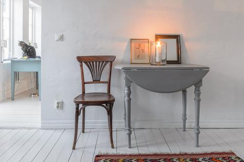 Gammalt fint klaffbord med svarvade ben SÅLT